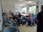 Spotkanie policjantów z brzeskiej komendy z seniorami.
