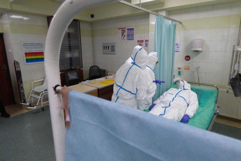 Ćwiczenia w brzeskim szpitalu na wypadek przyjęcia pacjenta zarażonego wirusem Ebola